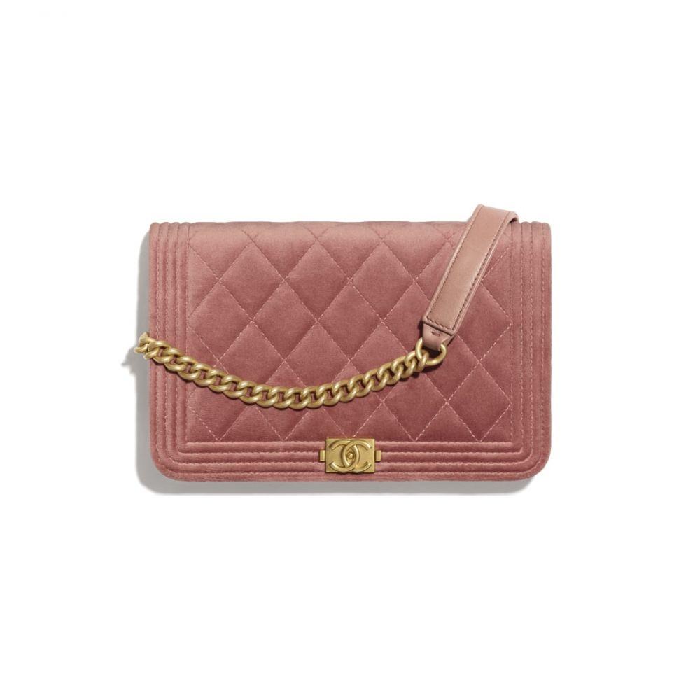 精选7款夏日嫩粉色迷你手袋,瞬间提升约会好感度!