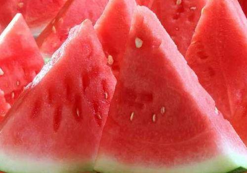 如何辨别西瓜是否是催熟的?有馊味的西瓜还能不能吃呢?